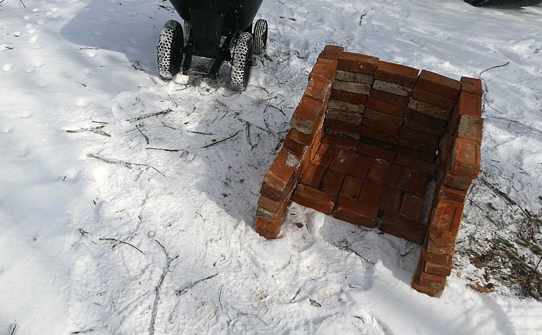 Step 1: Stack bricks