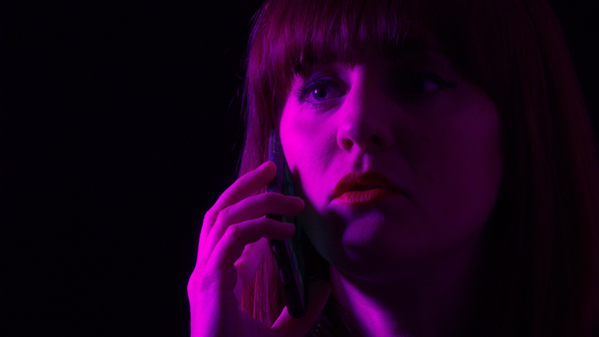 carrie phone.jpg