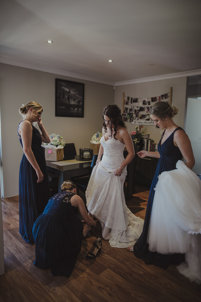 swan-valley-wedding-photographer-sandalford-estate-10.jpg