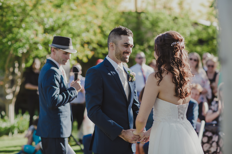 swan-valley-wedding-photographer-sandalford-estate-15.jpg