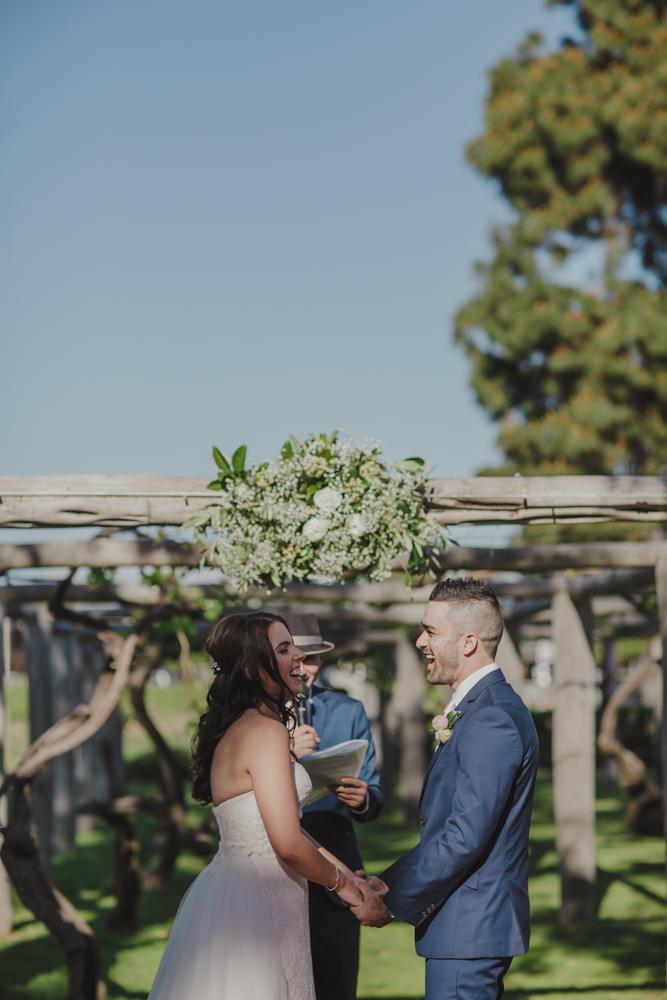 swan-valley-wedding-photographer-sandalford-estate-18.jpg