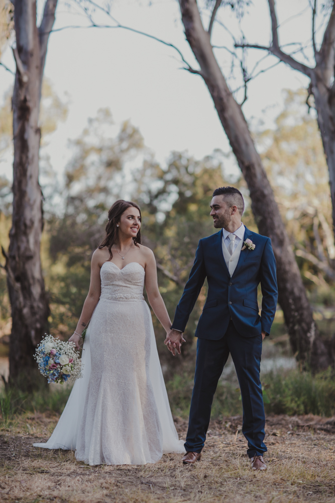 swan-valley-wedding-photographer-sandalford-estate-34.jpg