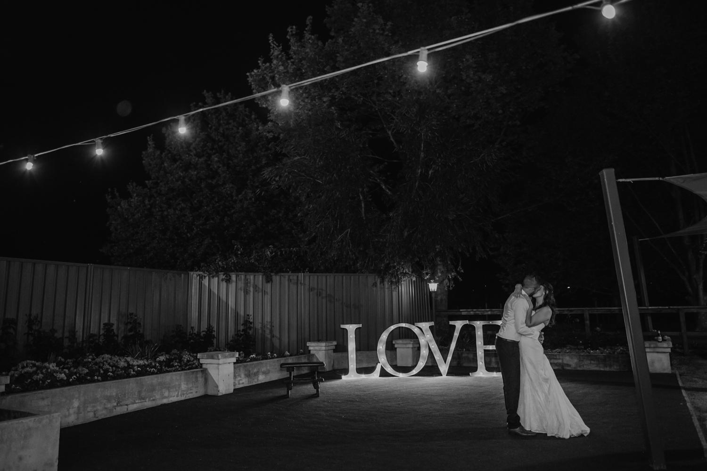 swan-valley-wedding-photographer-sandalford-estate-72.jpg