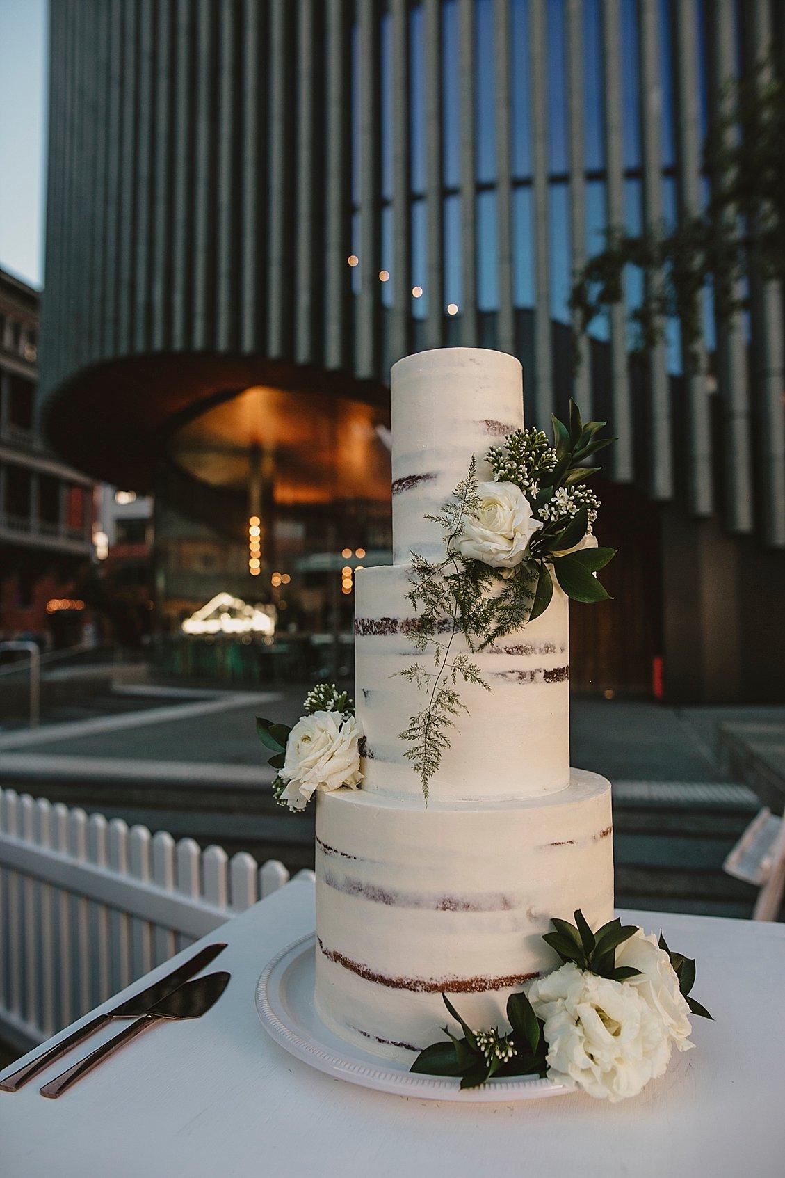 the cake and I wedding cake