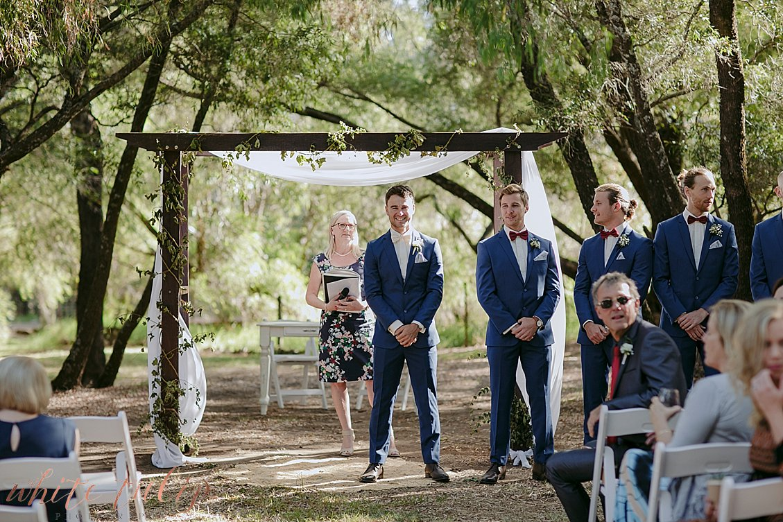 ferguson-valley-wedding-st-aidans-wines_0022.jpg