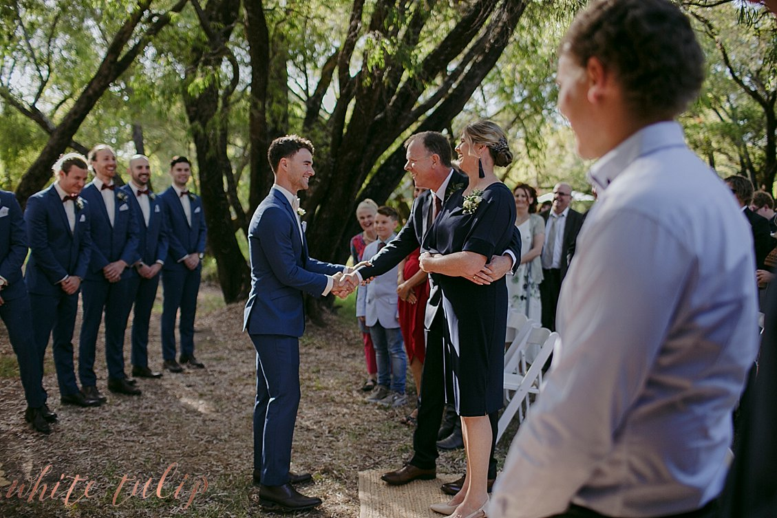 ferguson-valley-wedding-st-aidans-wines_0024.jpg