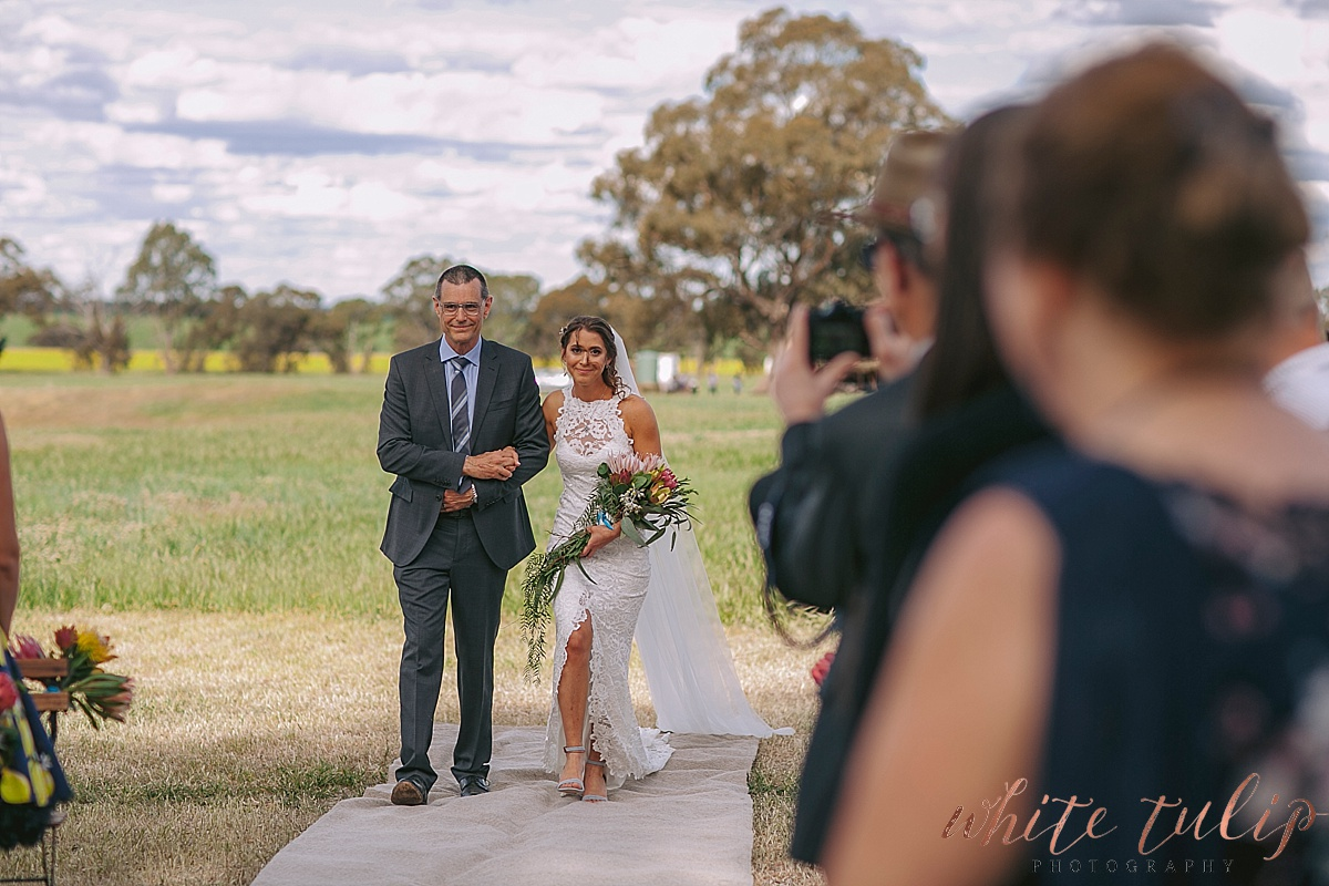 destination-wedding-photographer-country-victoria-wimmera_0035.jpg