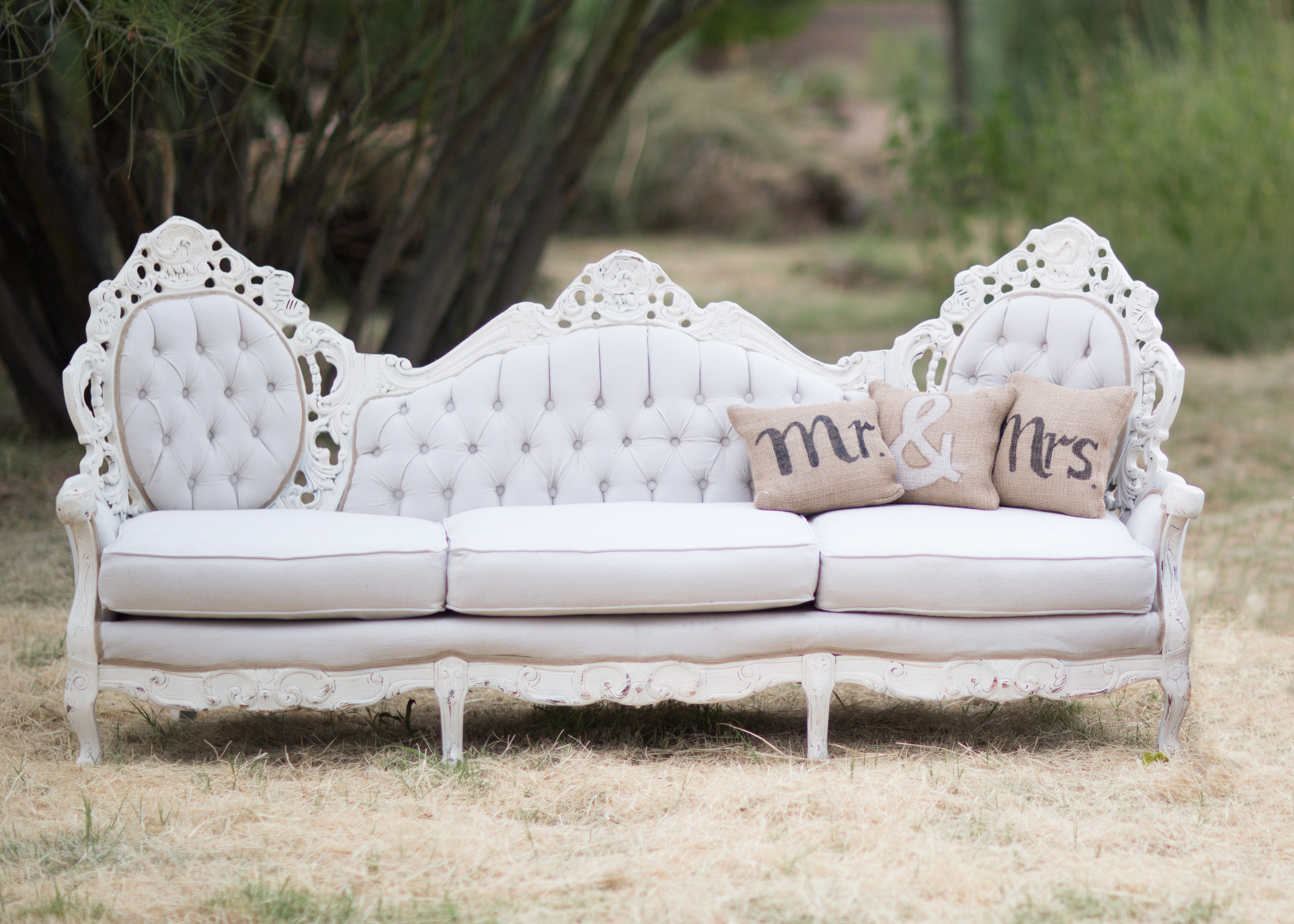 Elizabeth Tufted Victorian Couch