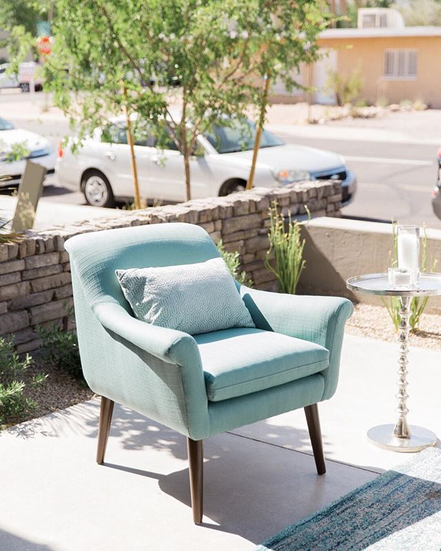 Nixon chair - Turquoise and loving it. ⠀⠀⠀⠀⠀⠀⠀⠀⠀ Venue and Catering: @theclayton__house  Photo: @tashabradyphoto  Flowers: @luxflorist  Specialty Rentals: @primrentals  Dining Rentals and Linens: @eventrentsaz  Signage: @freedhands  Desserts: @abakeshop