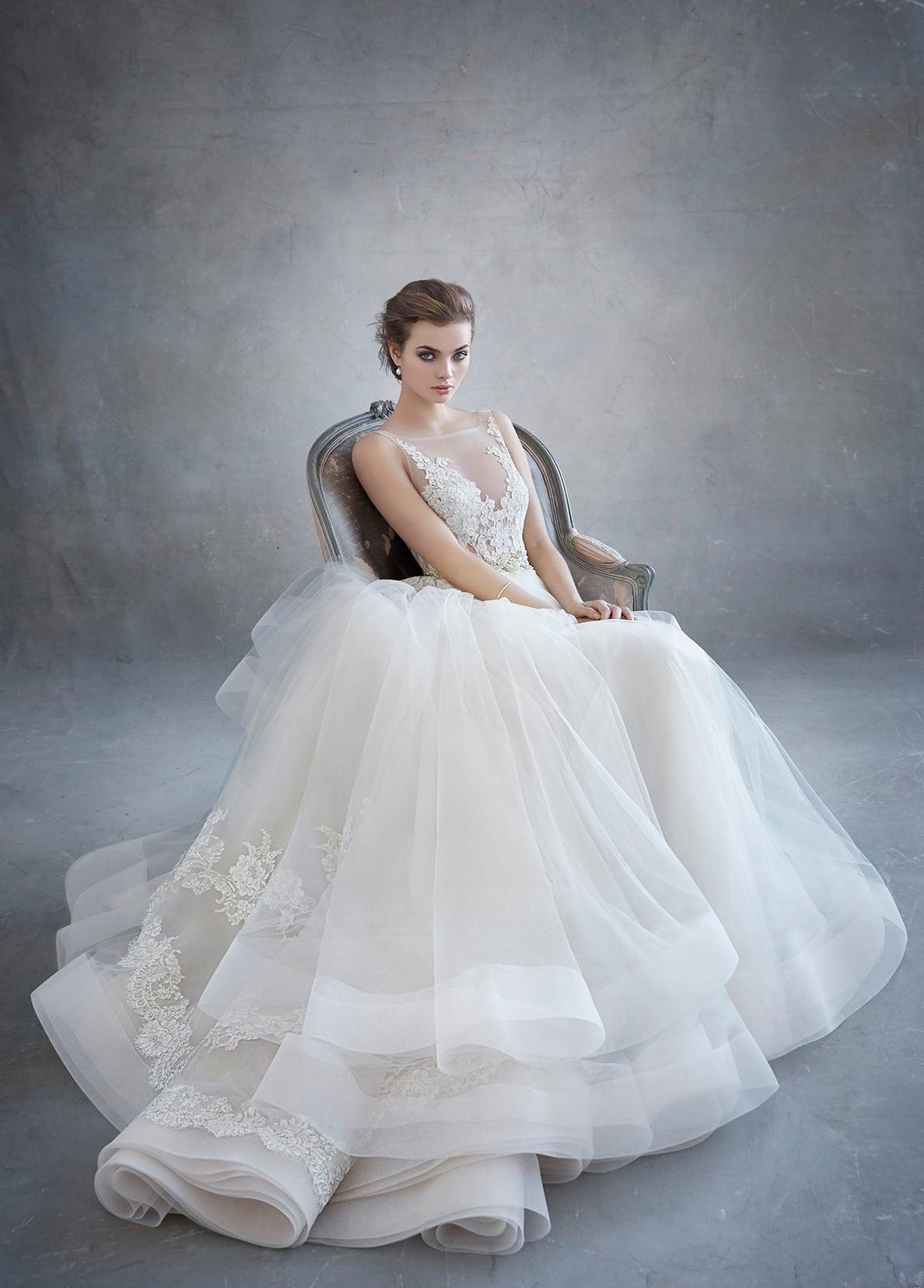lazaro-bridal-tulle-ball-alencon-lace-metallic-beaded-natural-floral-horsehair-chapel-3607_x4.jpg