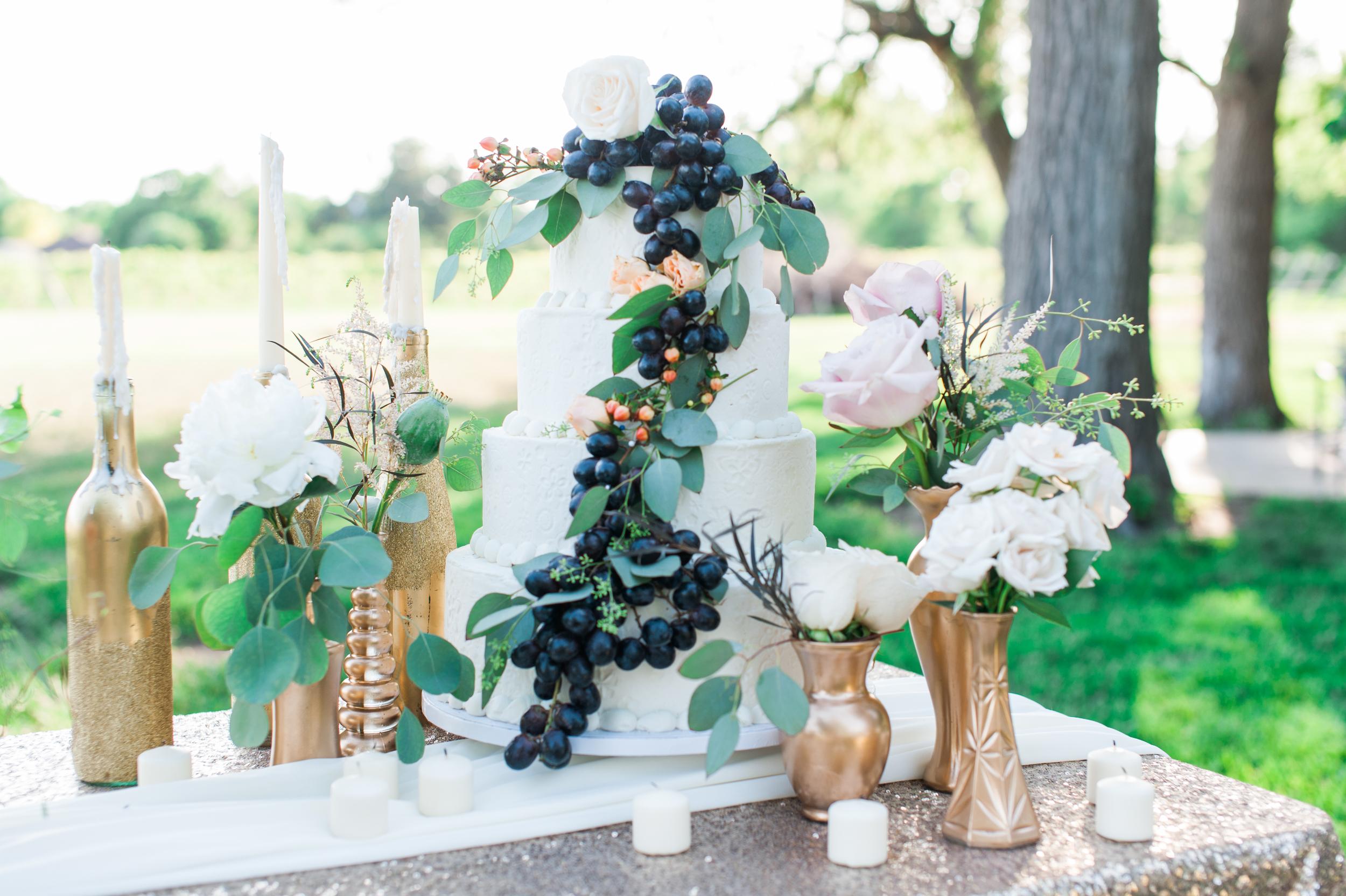 vineyard wedding table in Nebraska