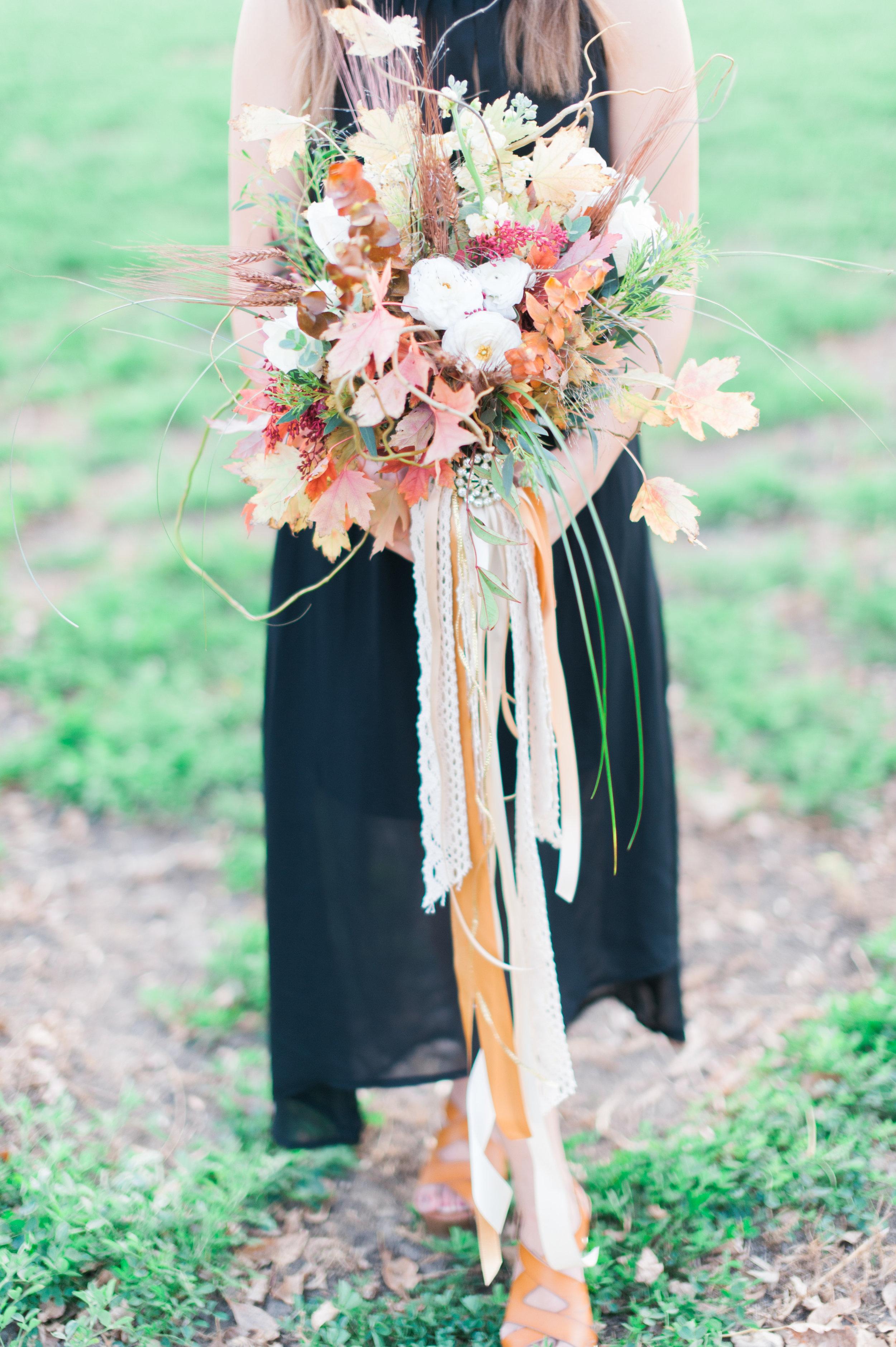 omaha-engagements-outdoor-fall-florists-17.jpg