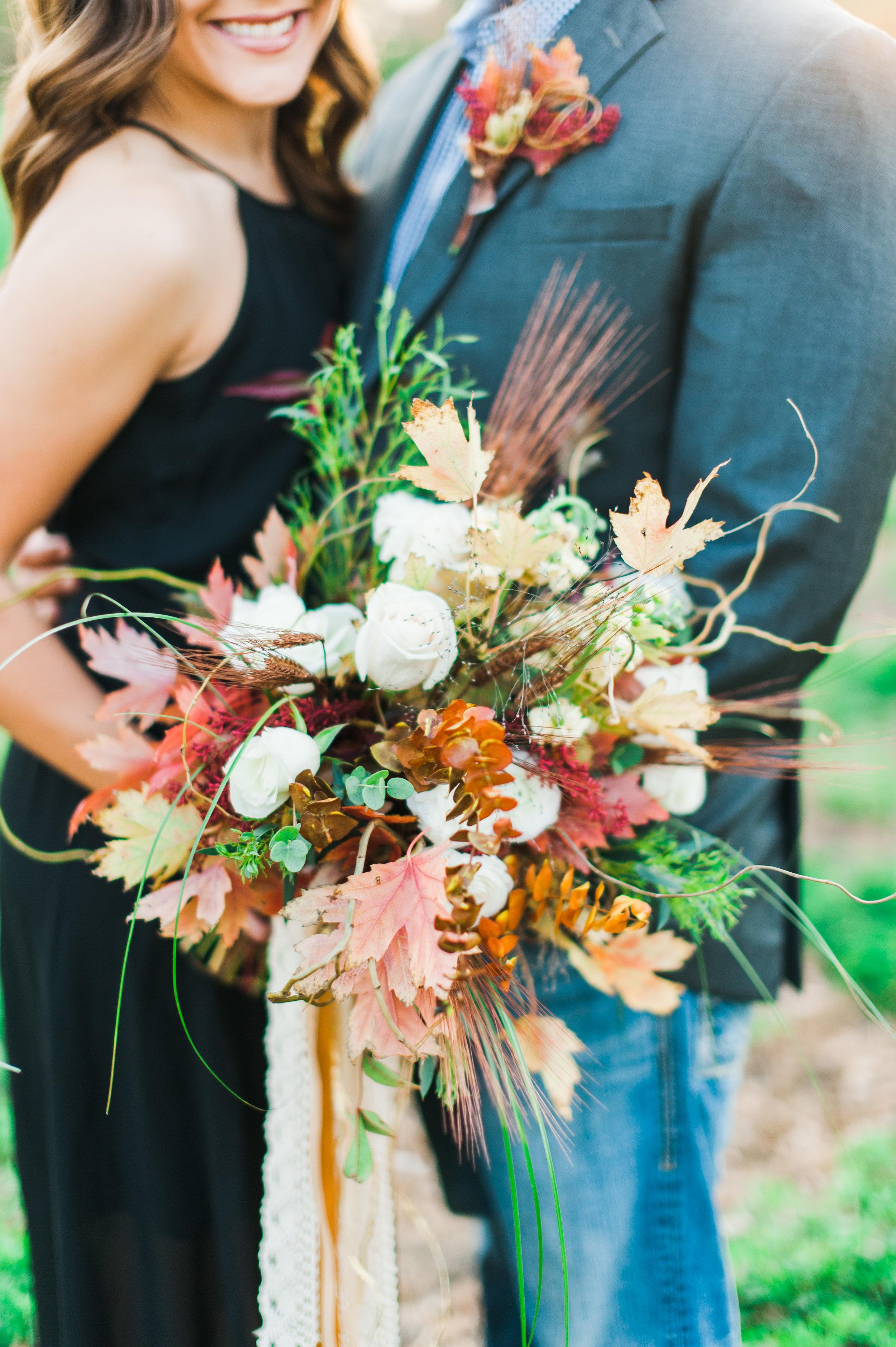 Kearney florist Diva's Floral Shop & Boutique. Photography by Kearney wedding photographer www.samanthaweddings.com