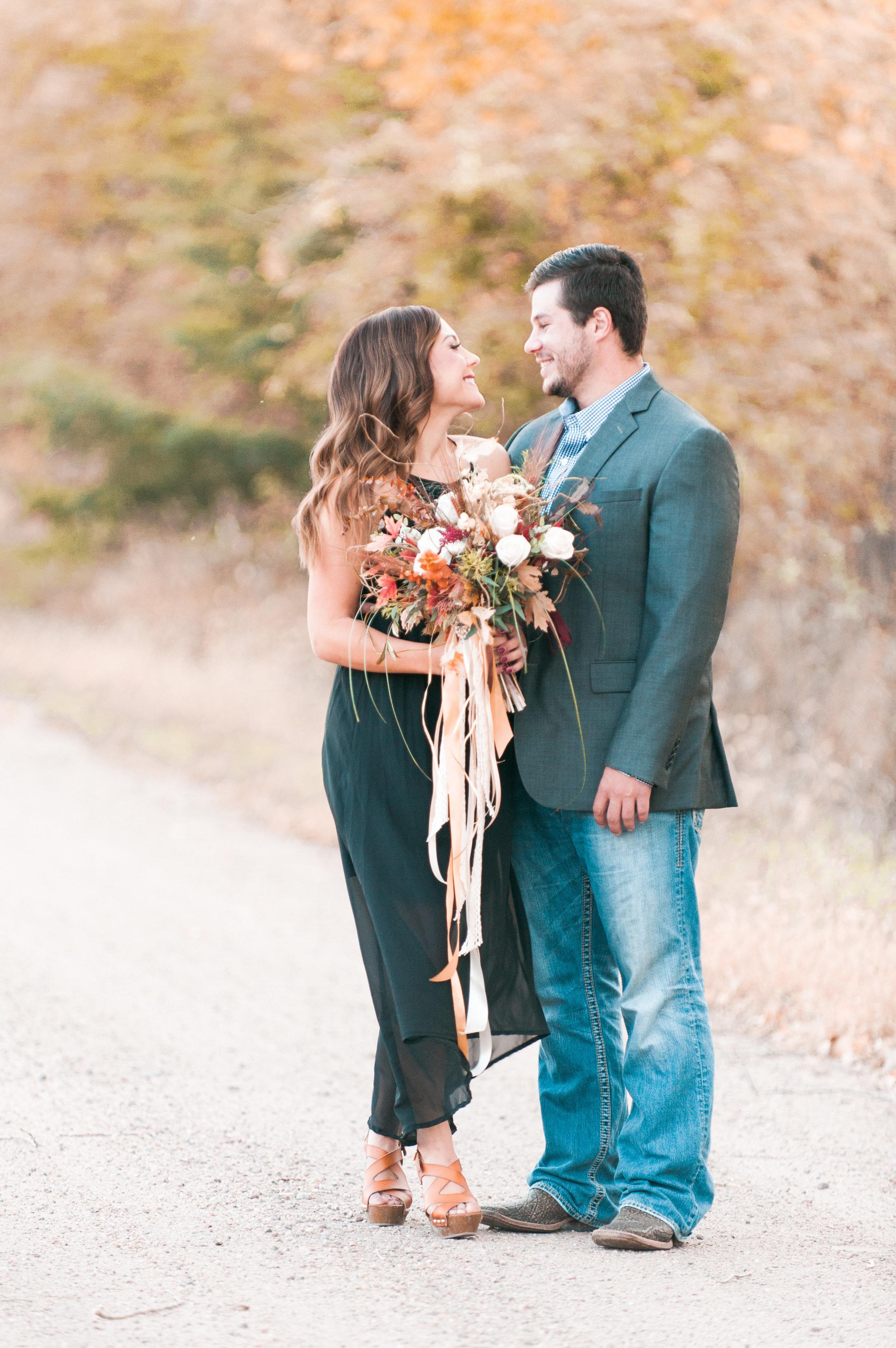 Kearney florist Diva's Floral Shop & Boutique. Photography by Kearney wedding photographer Samantha Weddings |  www.samanthaweddings.com