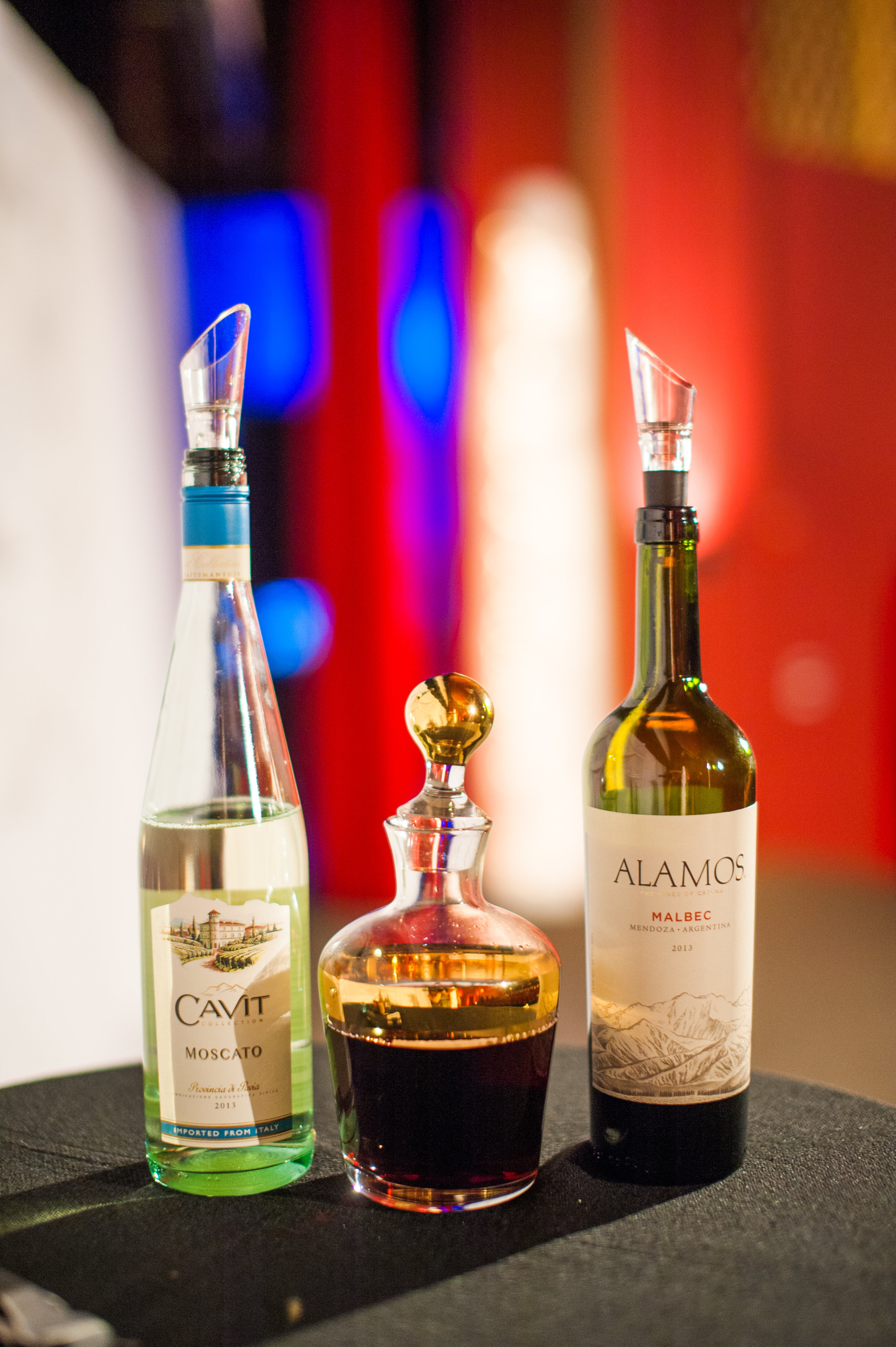 MERGE WINES TO CREATE A CUSTOM WINE. YOU SHARE YOUR NEW WINE ON YOUR 1ST ANNIVERSARY.