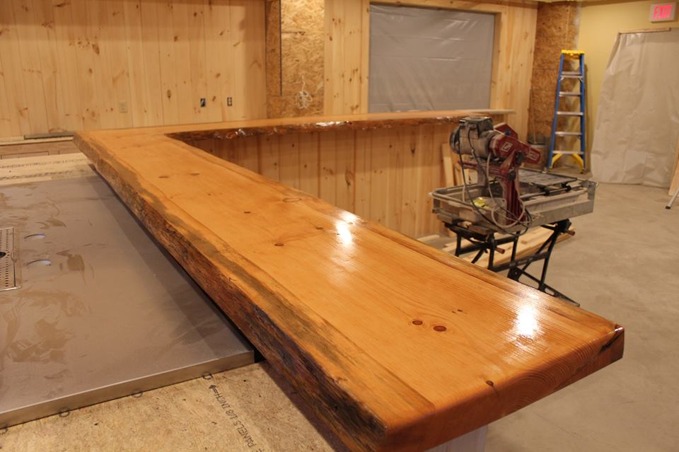 The first coat of shellac on the bar