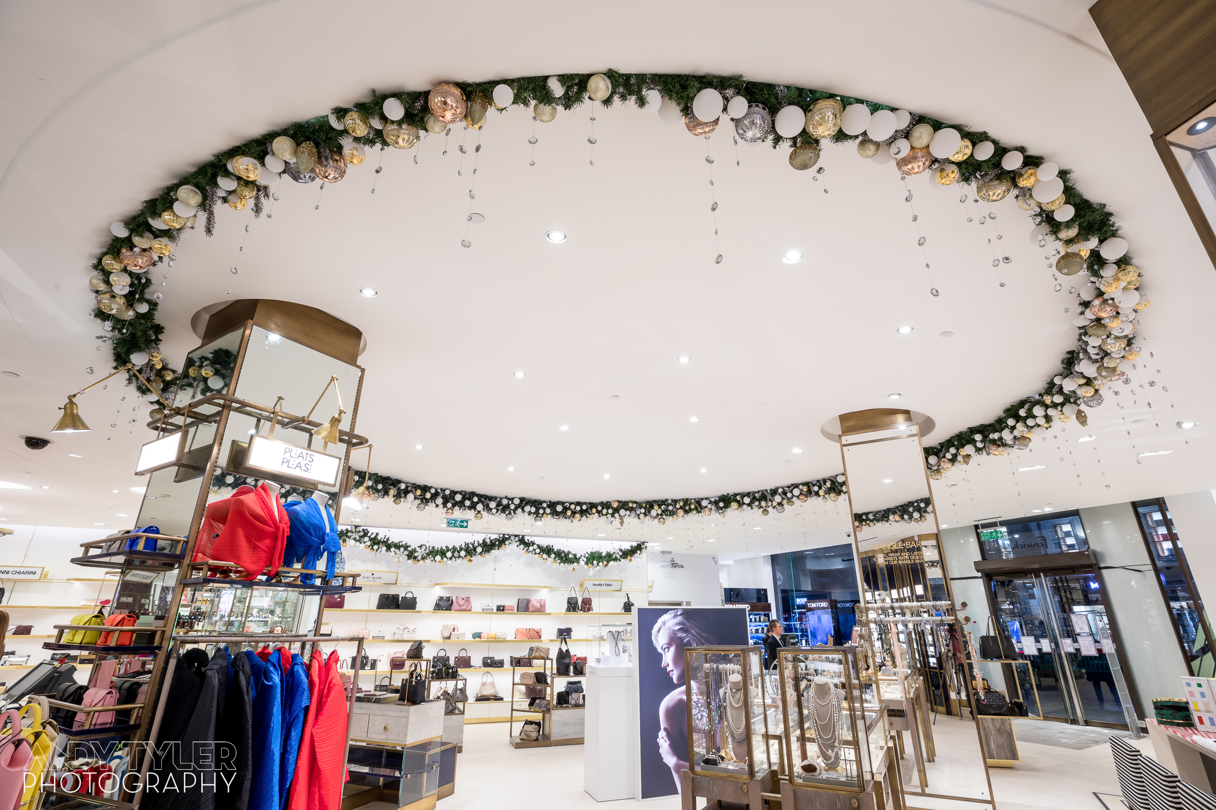 Andy_Tyler_Photography_Luxury_Retail_Interior_011_Andy_Tyler_Photography_102-5DB_7919.jpg