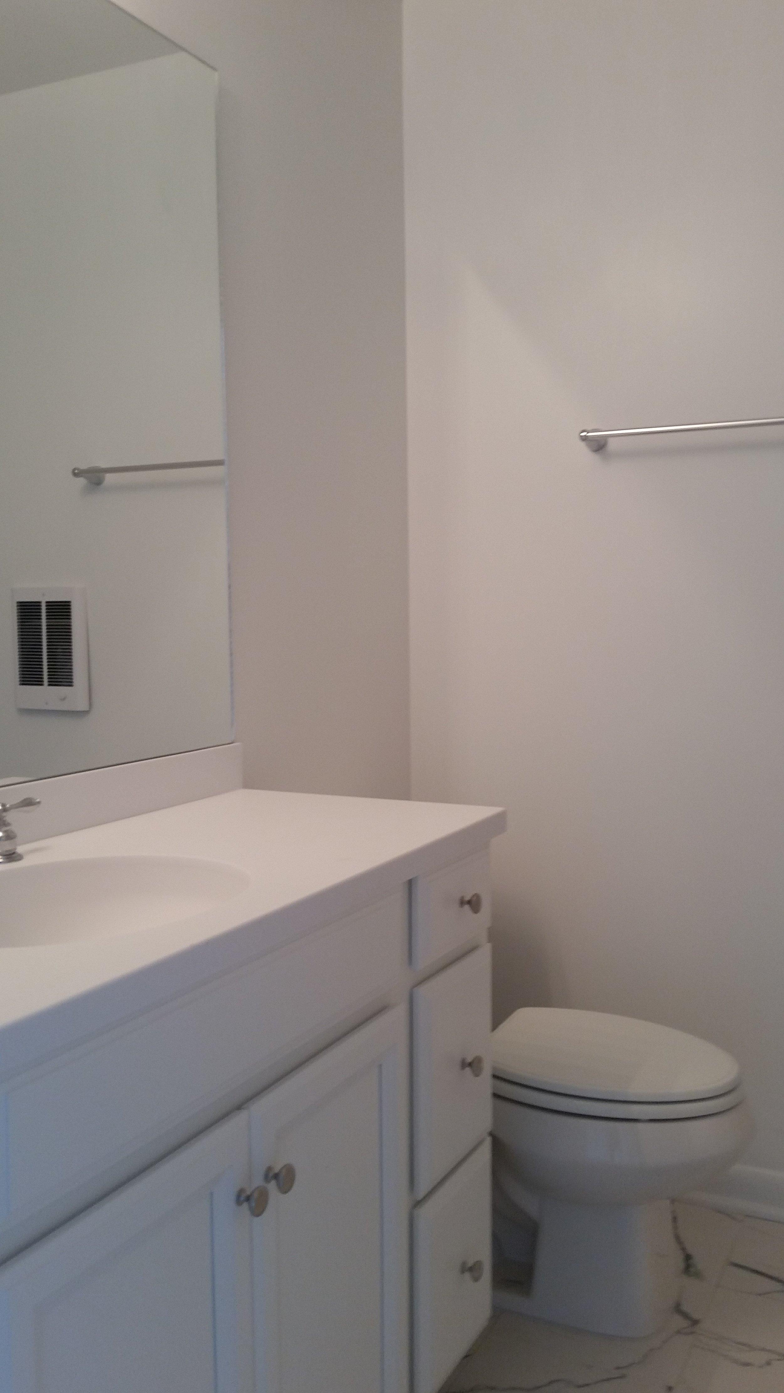 215louisebathroom.jpg