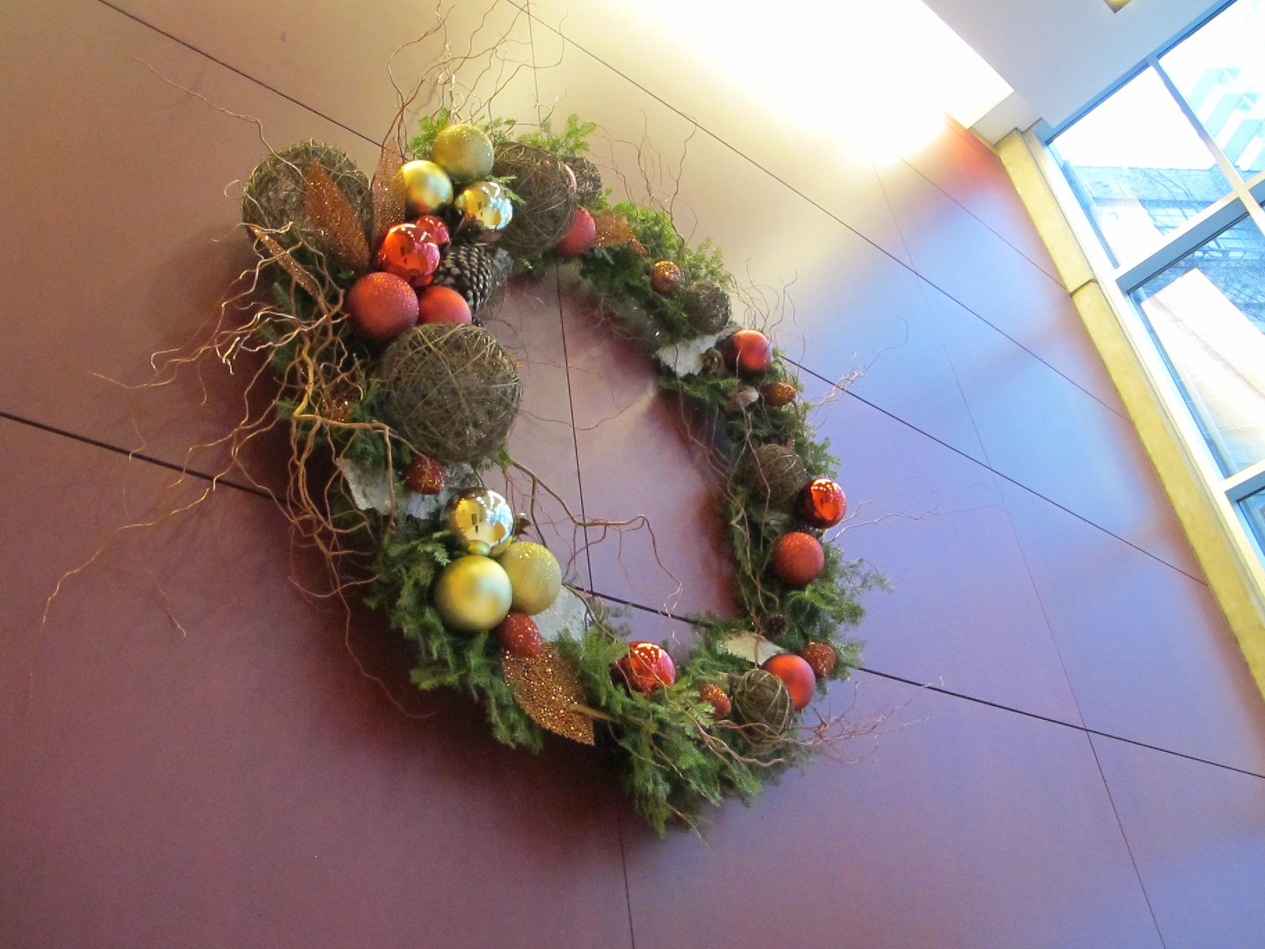 510 W Erie wreath.JPG