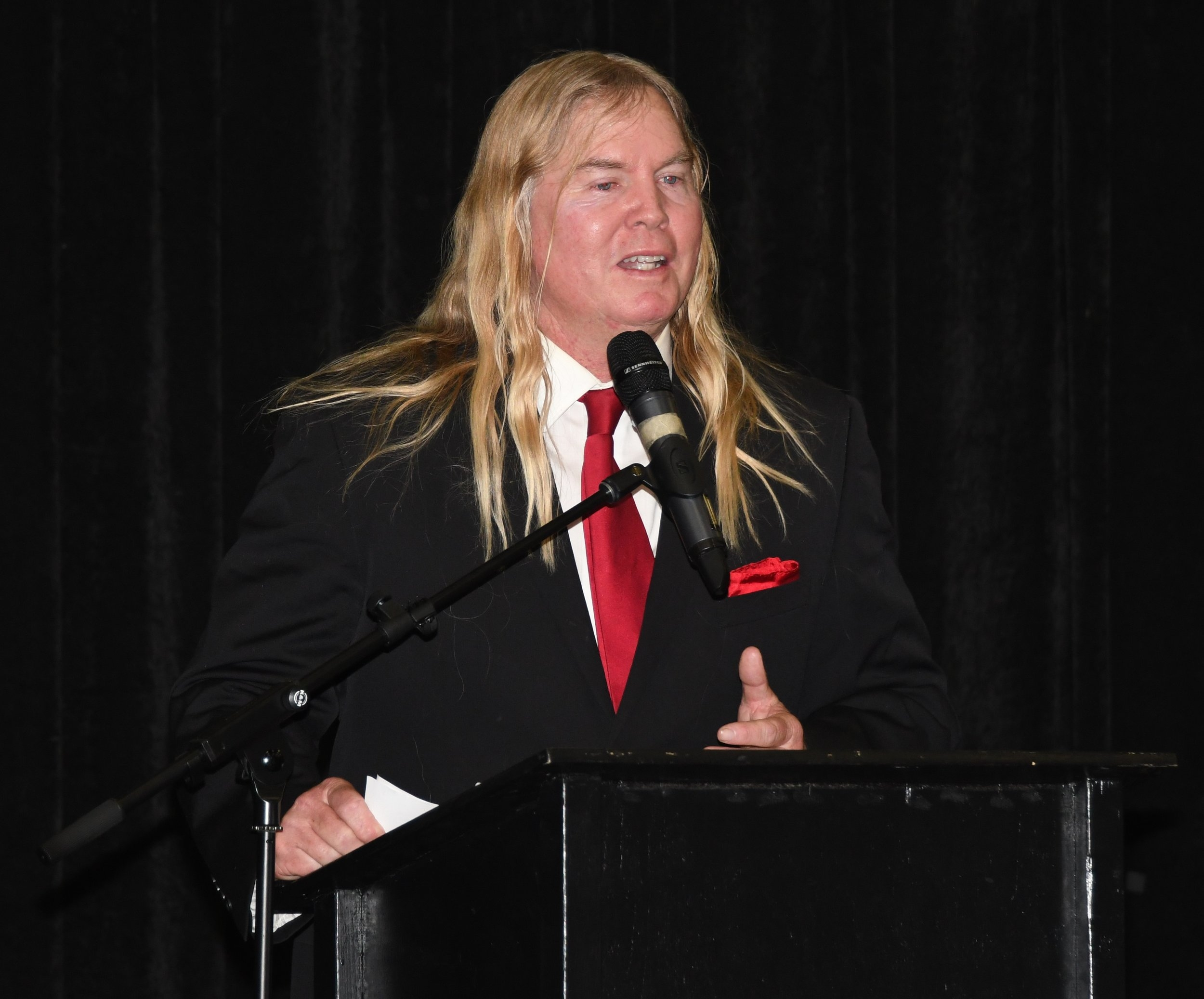 Click image to see more pictures from Hall of Fame banquet.