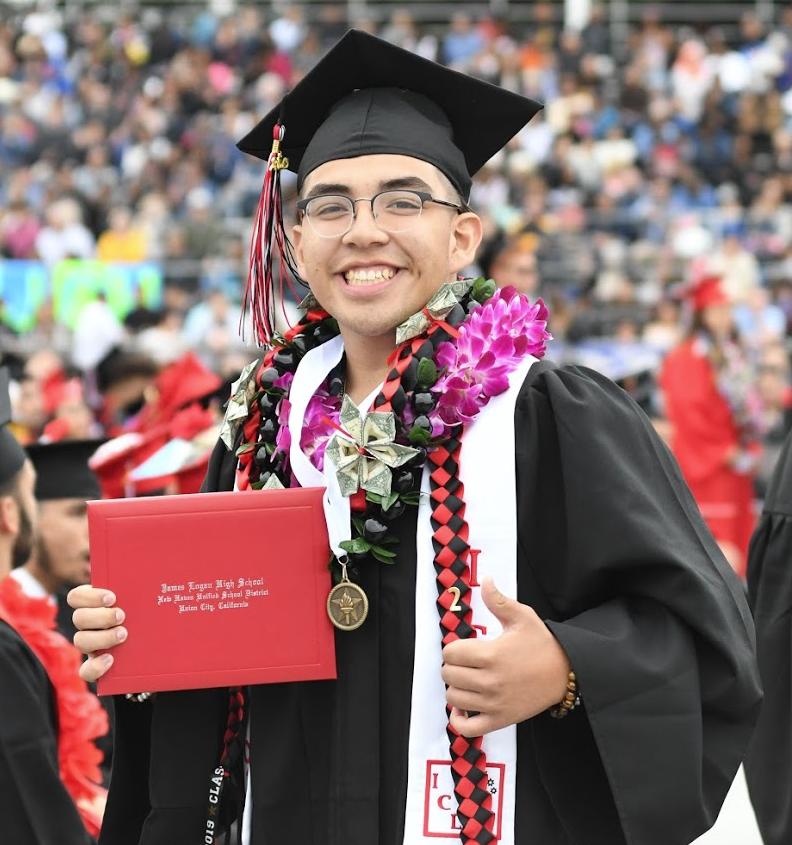 Graduation 2019 | Alex 2.png