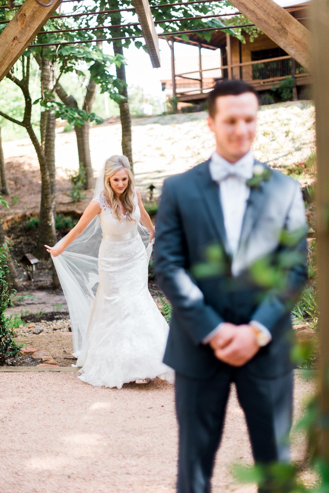 Austin_Fine _Art_Wedding_Photographer_ Justin_Douglas_ First_Look_09.jpg