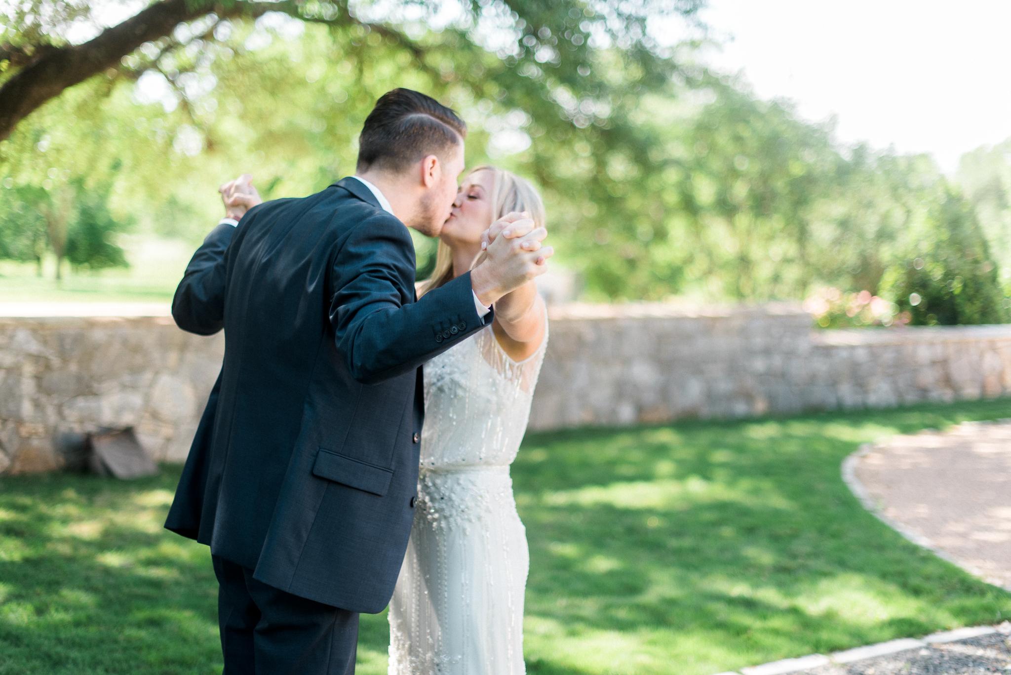 Austin_Fine _Art_Wedding_Photographer_ Justin_Douglas_ First_Look_05.jpg