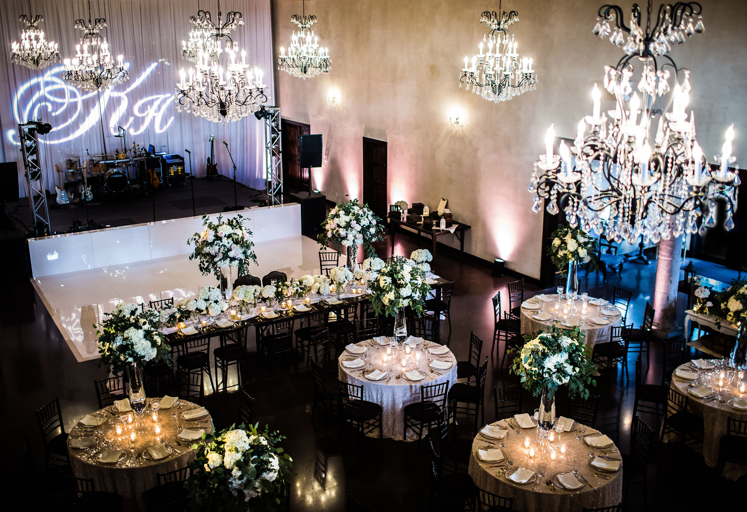 Photo: The Bird and The Bear // Venue: Ma Maison // Florals: STEMS Floral Design    SMP said no to THIS!!! And I understand why, but for the every day Joe Schmo, what more could they want?