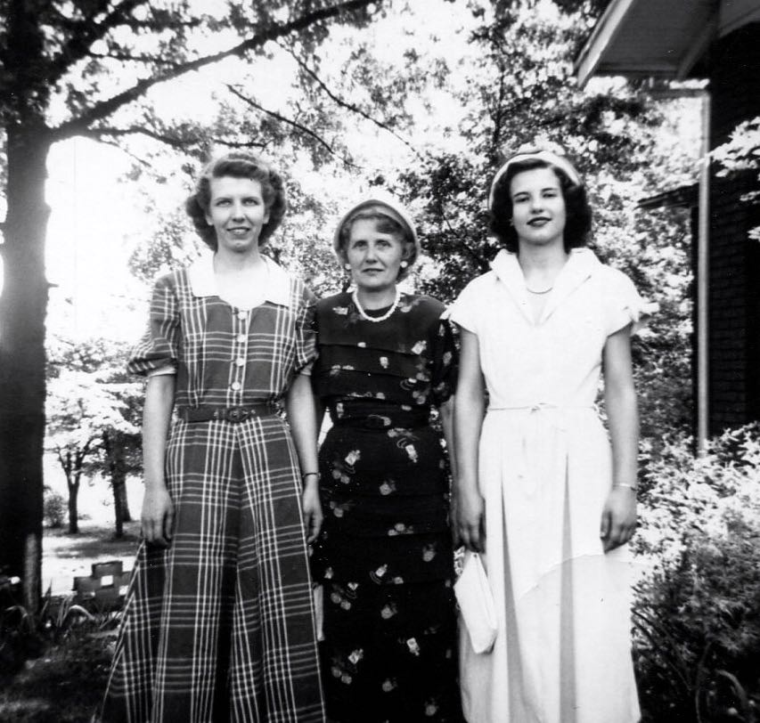 Martha Louise, Mama Susie, Betty Jayne.jpg