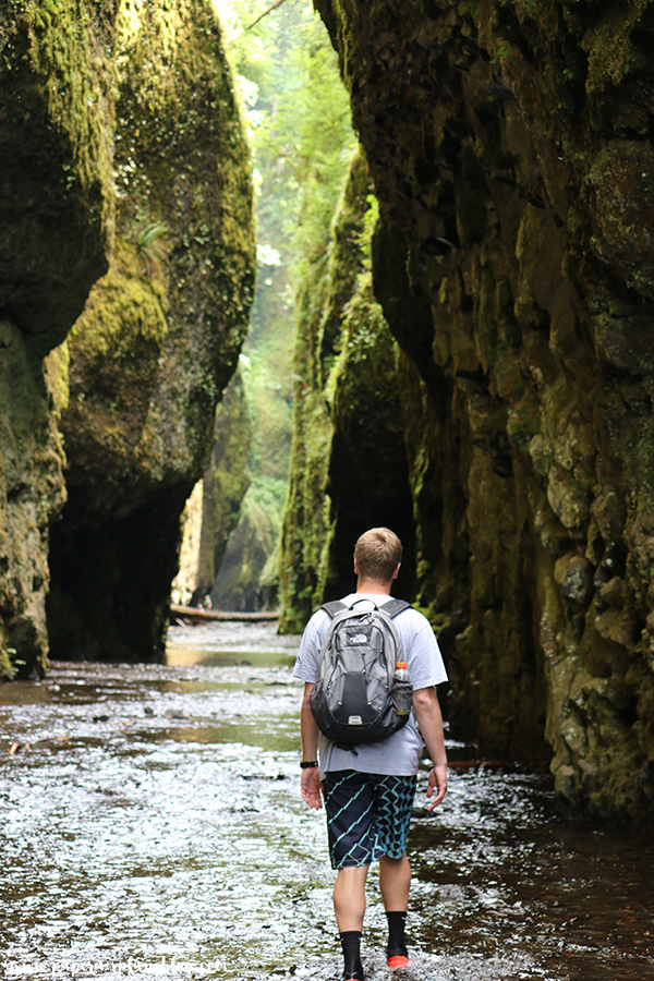 Hiking at Oneonta Gorge