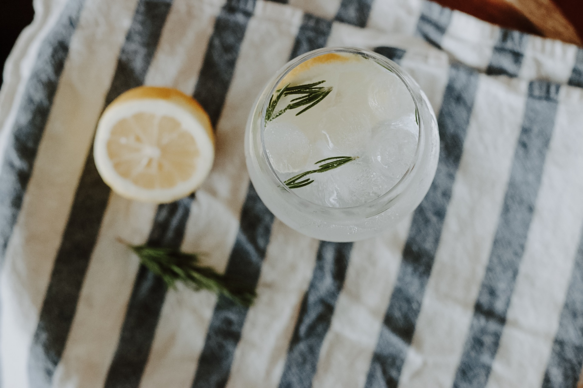 Spanish Style Gin Tonic Easy Cocktail Recipe Moon River Blog 2.jpg