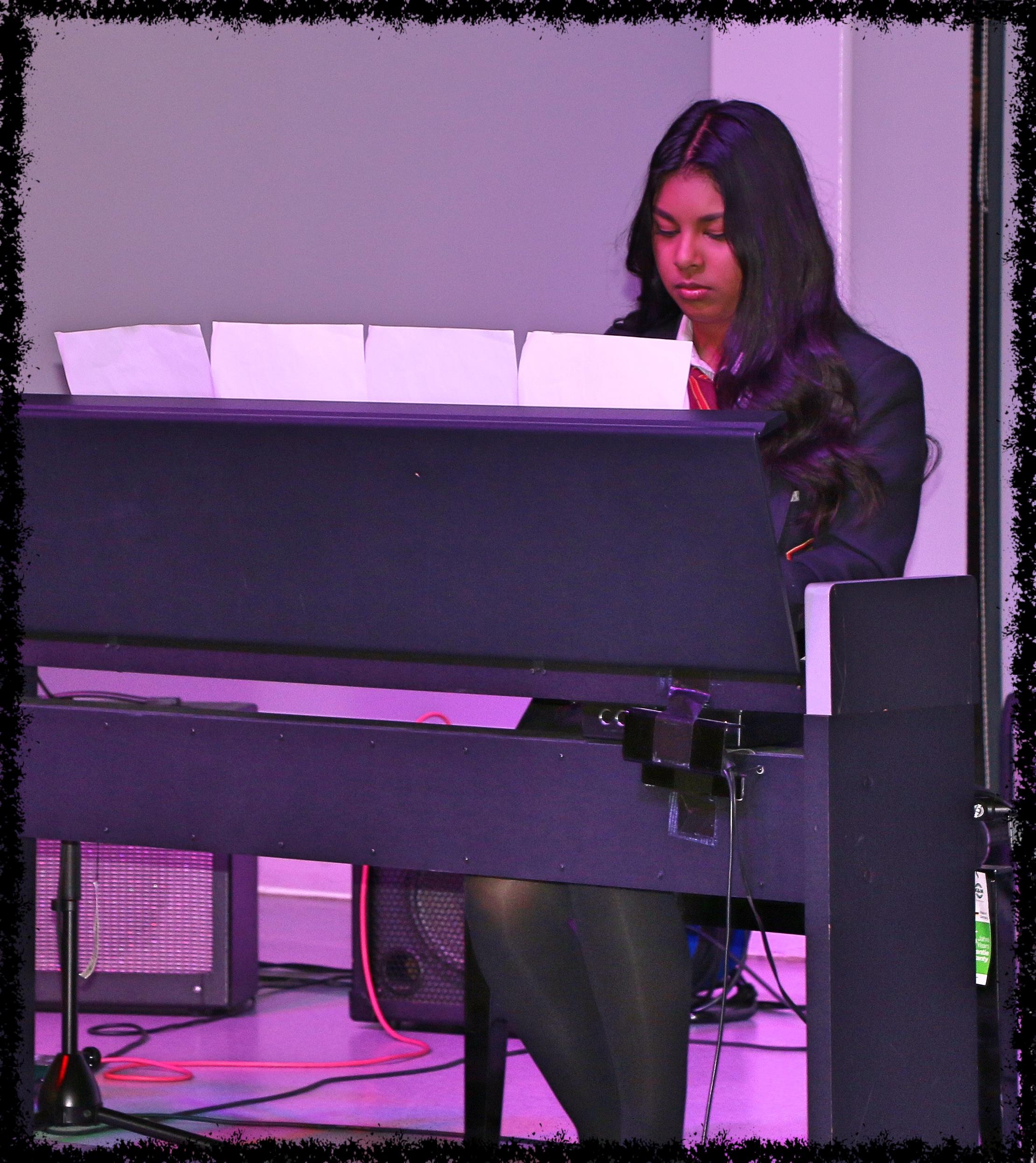 recital8_Fotor.jpg