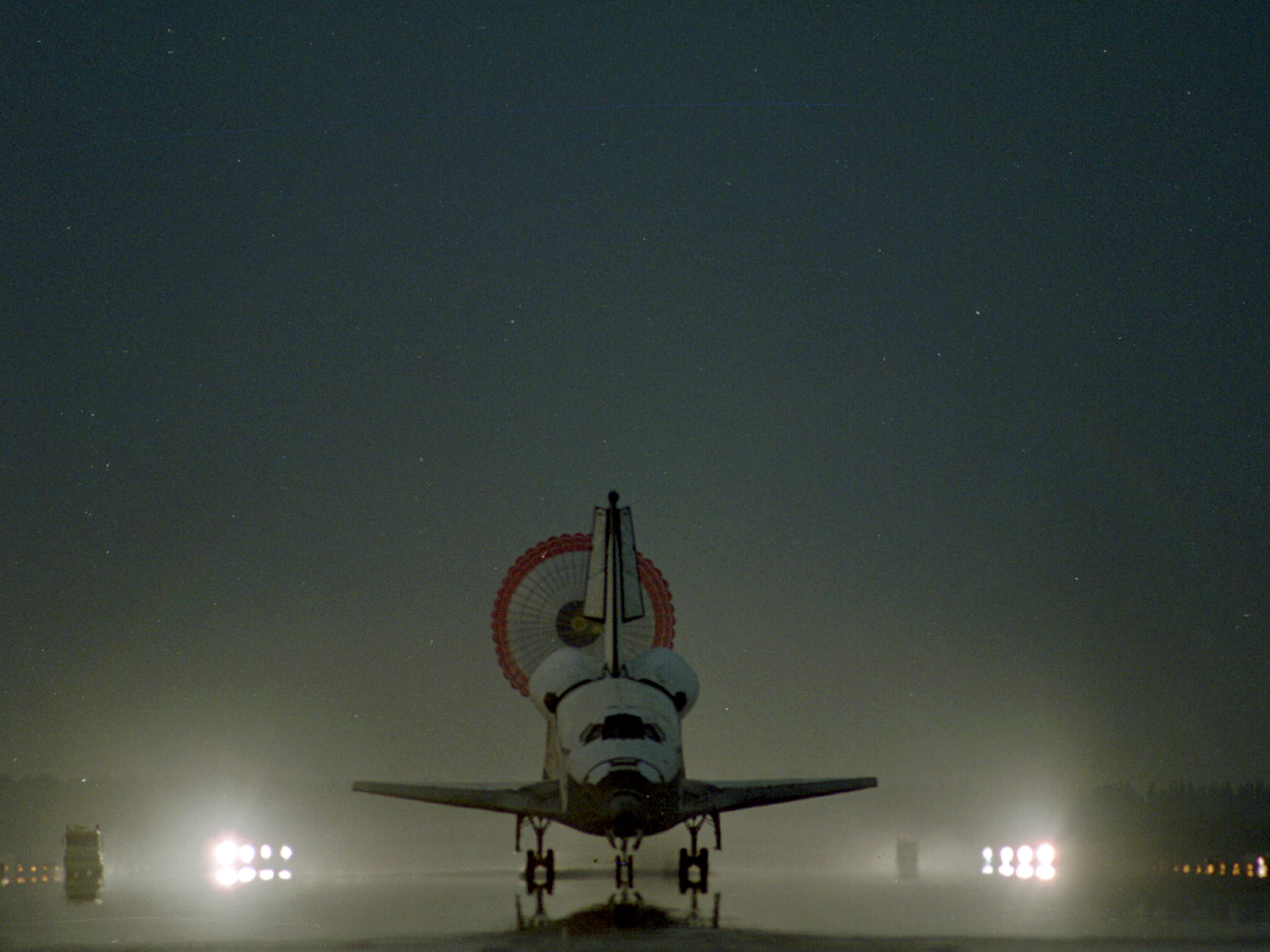 Early morning landing of Columbia on July 17, 1997. This turned out to be my last day in space.