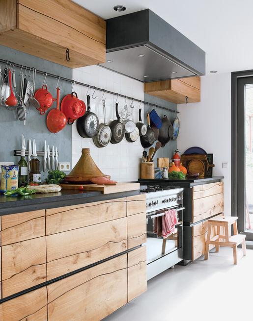 visser-van der ende-residence-houseboat-interior-kitchen.jpg