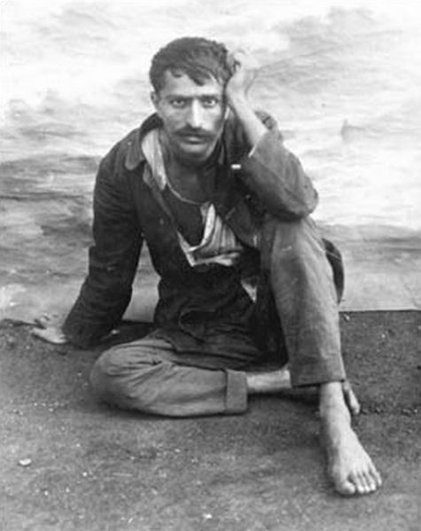 AVATAR MEHER BABA in 1922 during the  Manzil-e-Meem  days.