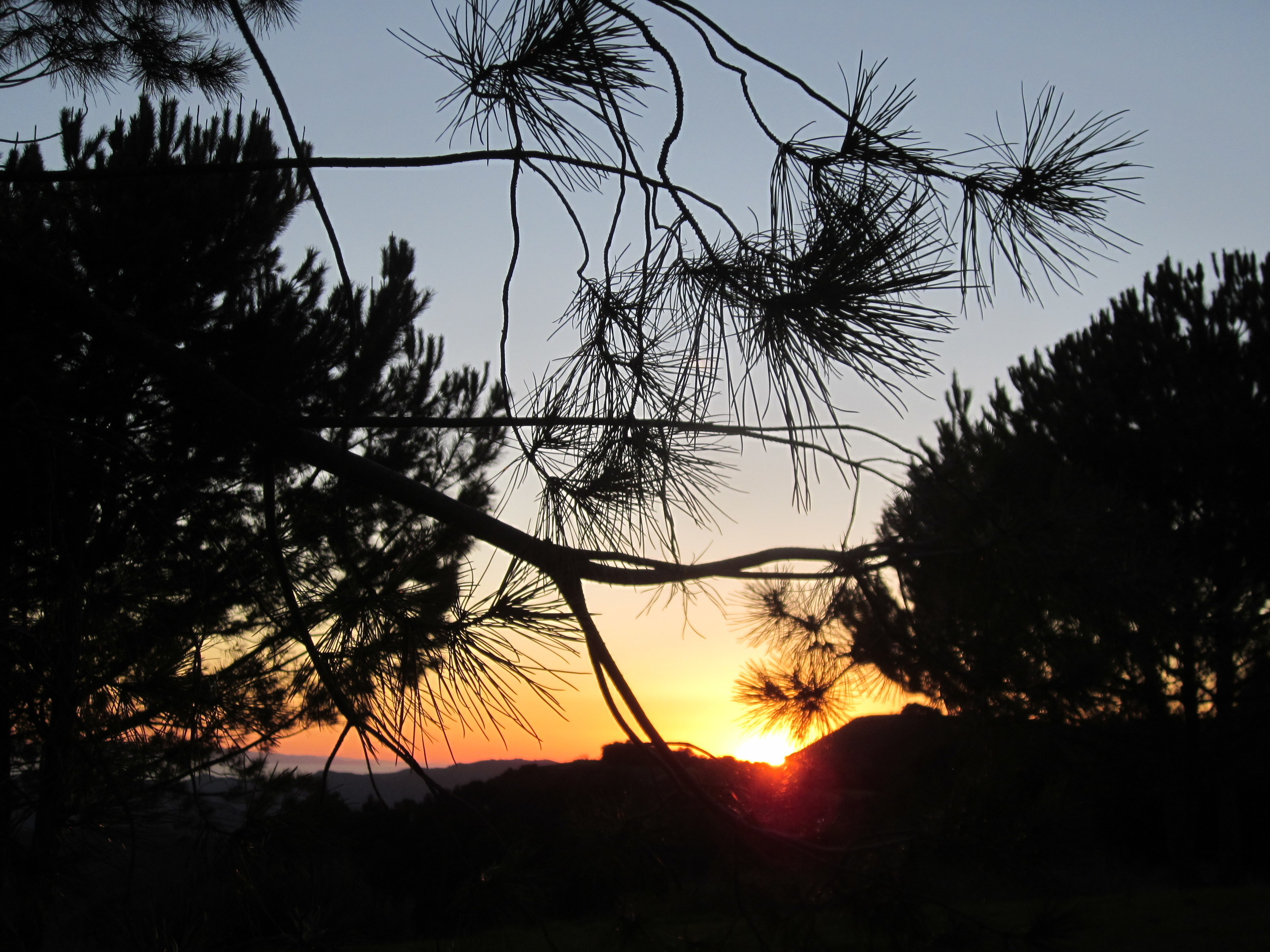 A GLORIOUS SUNSET as seen from Avatar's Point at Meher Mount. (Wayne Myers photo, 2013.)