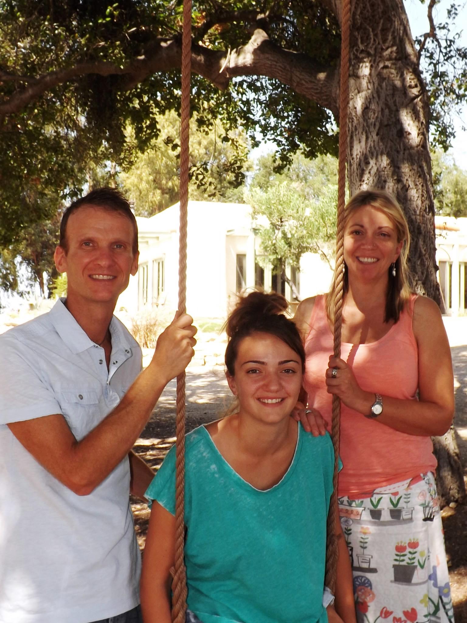 LESLIE, GEORGIE & SAMANTHA BRIDGER at Meher Mount during their stay as Manager/Caretakers. (Photo: Bridger Family, 2012)