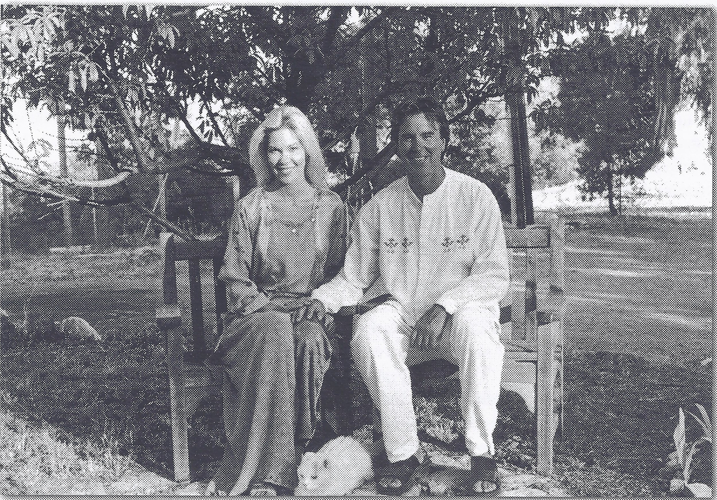 ELIZABETH ARNOLD & RAY JOHNSTON at Meher Mount in 2003. (Photo:  Love Street Lamp Post )