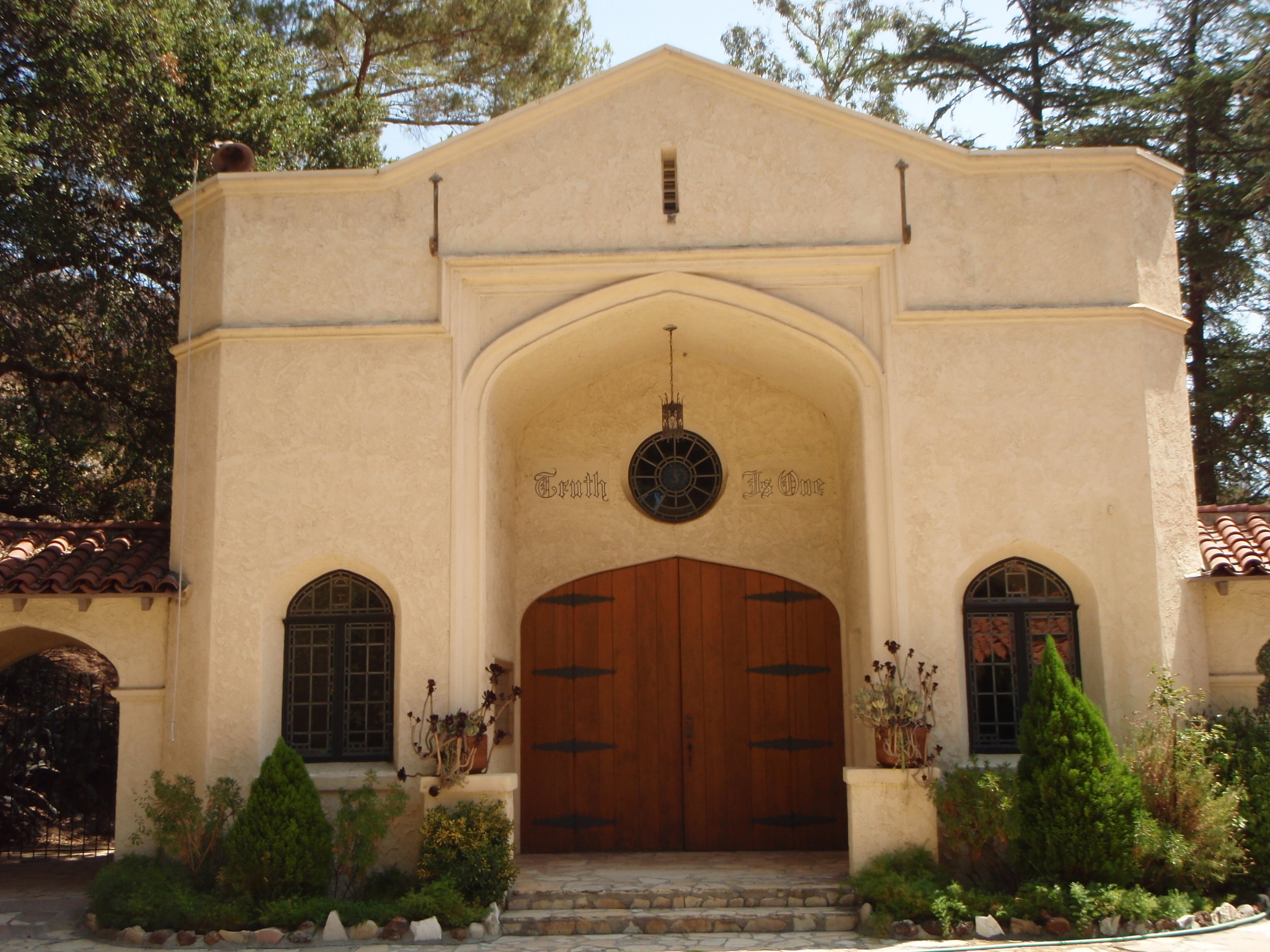 """""""TRUTH IS ONE"""" is inscribed over a doorway at the Vedanta  Ananda Ashrama  in La Crescenta, CA, where Meher Mount co-founder Agnes Baron was staying when she first learned about Avatar Meher Baba in the 1940s. The Ashrama was founded by Swami Paramananda who met Meher Baba in Boston in 1931.(Photo: Sam Ervin, 2012)"""