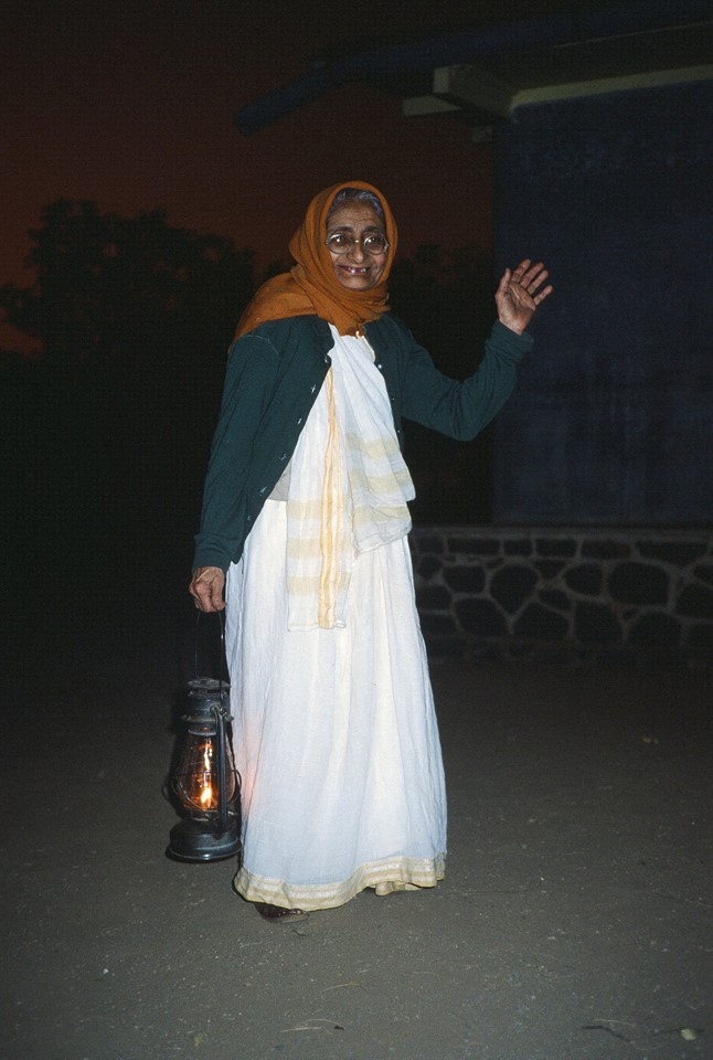 MANSARI DESAI, one of Meher Baba's women  mandali  (close follower) on Meherabad Hill in 1983. (Photo: Sam Ervin)