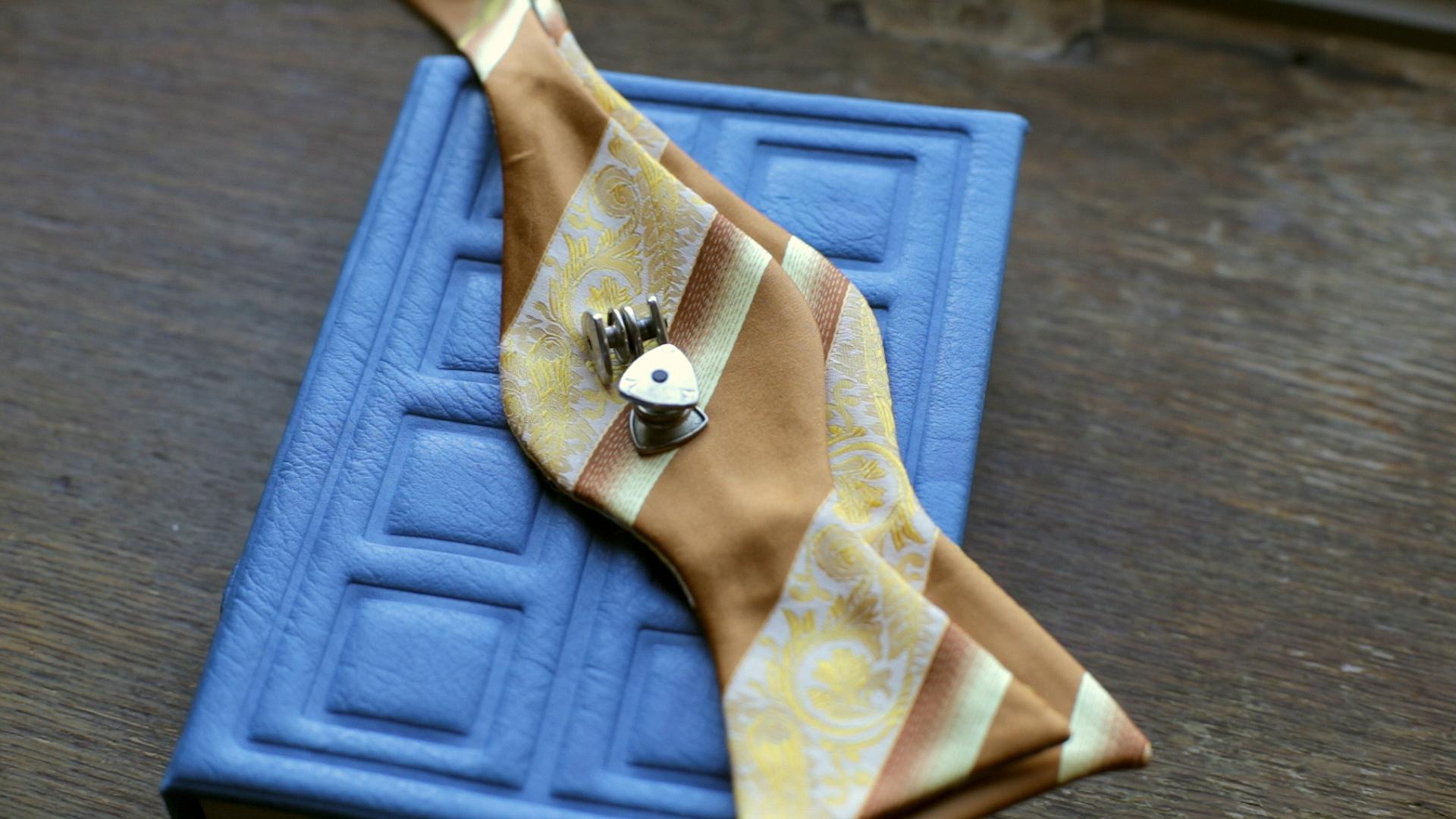 kylemichael-groom-details.jpg