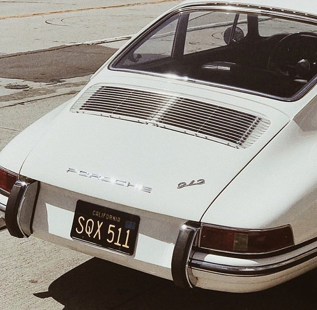 Wherever you're going is where I want to go... 〰️ #summertravel #vintageporche #sliceofvice #lookbook #mystyle #socool #bloggerstyle #chic #vintage #styleblogger #dreamy