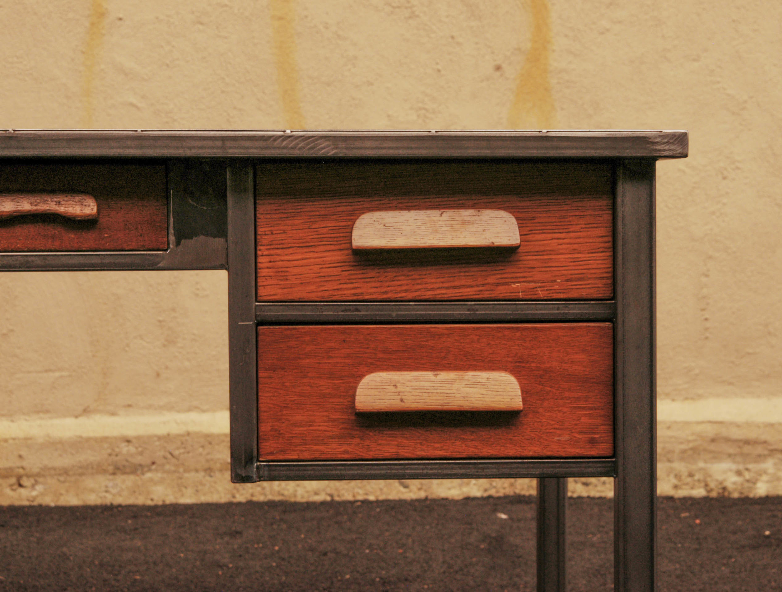 desk-4.jpg