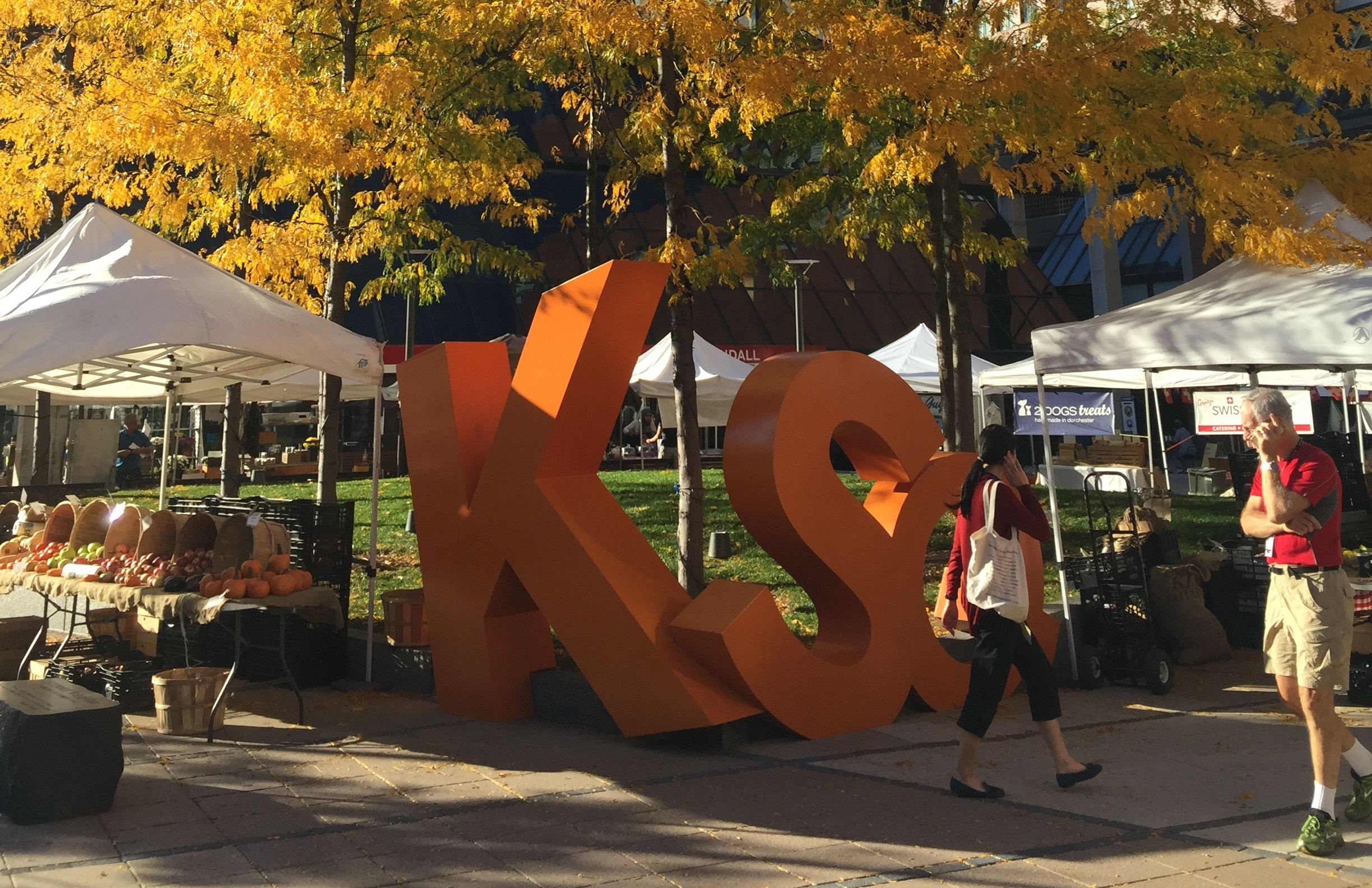Farmers Market at Kendall Square Plaza
