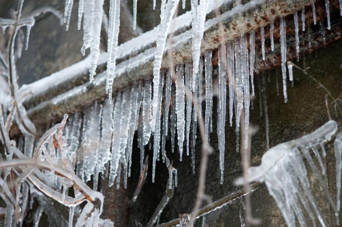 Frozen-pipes-690x458.jpg