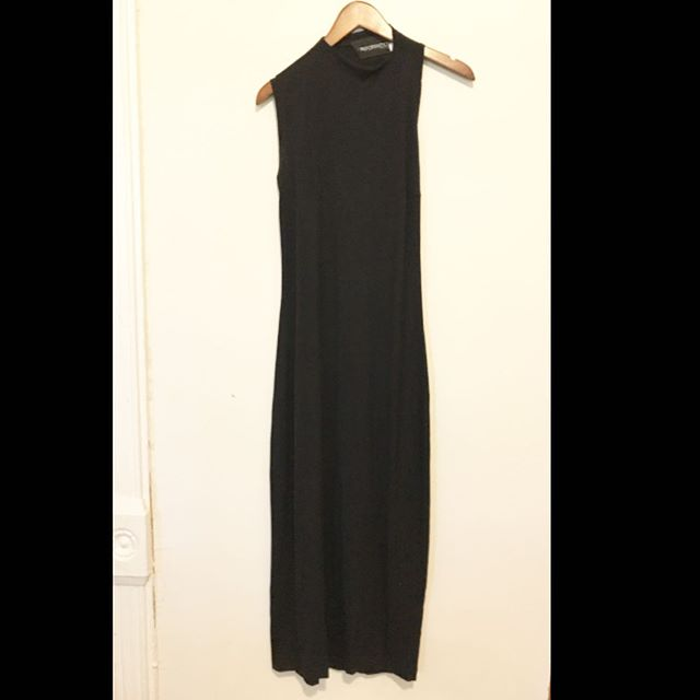 Dead. Stunning Reformation dress. Not your typical one shoulder dress. Open back. Has stretch. SZ. M $45.95 #foxandfawn