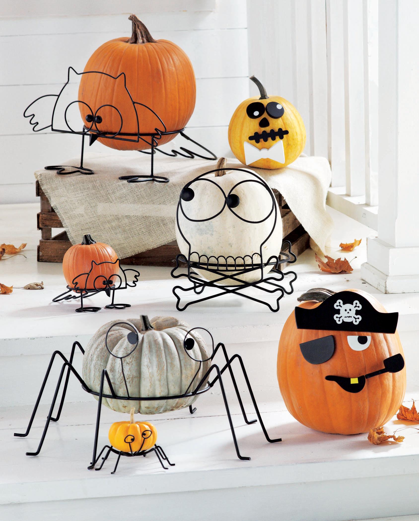 easy decor idea: halloween pumpkin stands from tag2u.com
