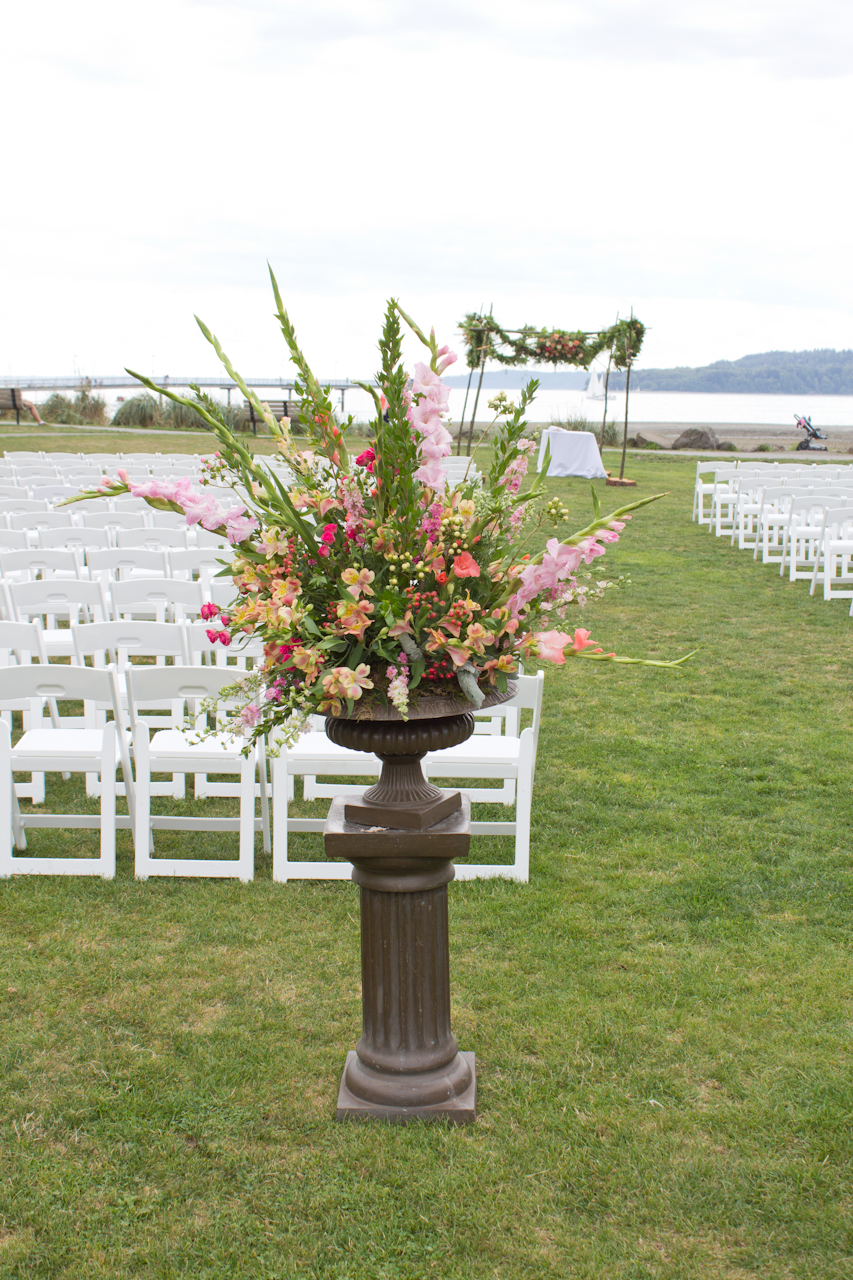 Ceremony urns