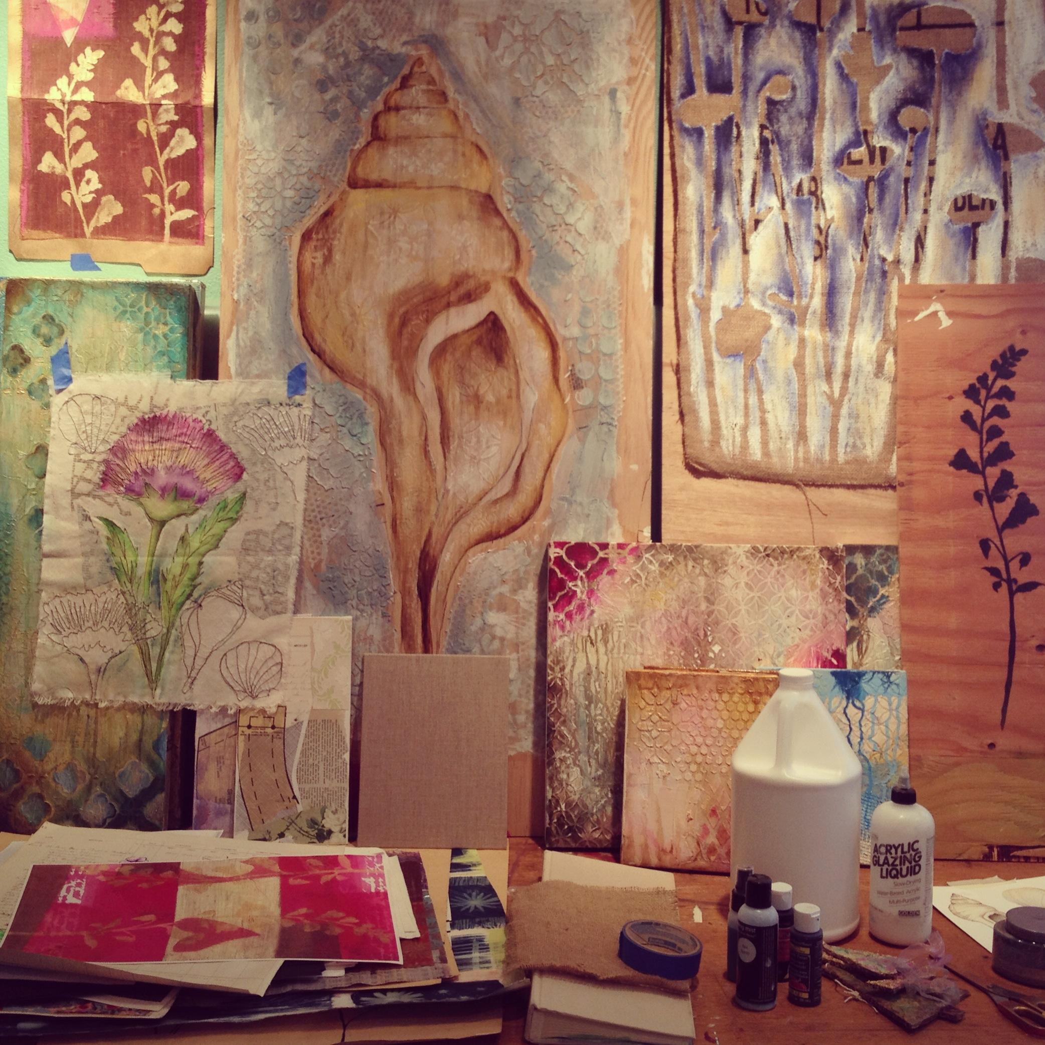 studiotable.JPG