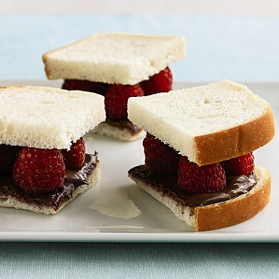 nutella-raspberry-sandwiches-rs-x.jpg